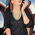 Preeti Jhangiani wardrobe malfunction