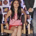 Aditi Rao Hydari Wardrobe Malfunction