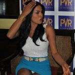 Veena Malik wardrobe malfunction