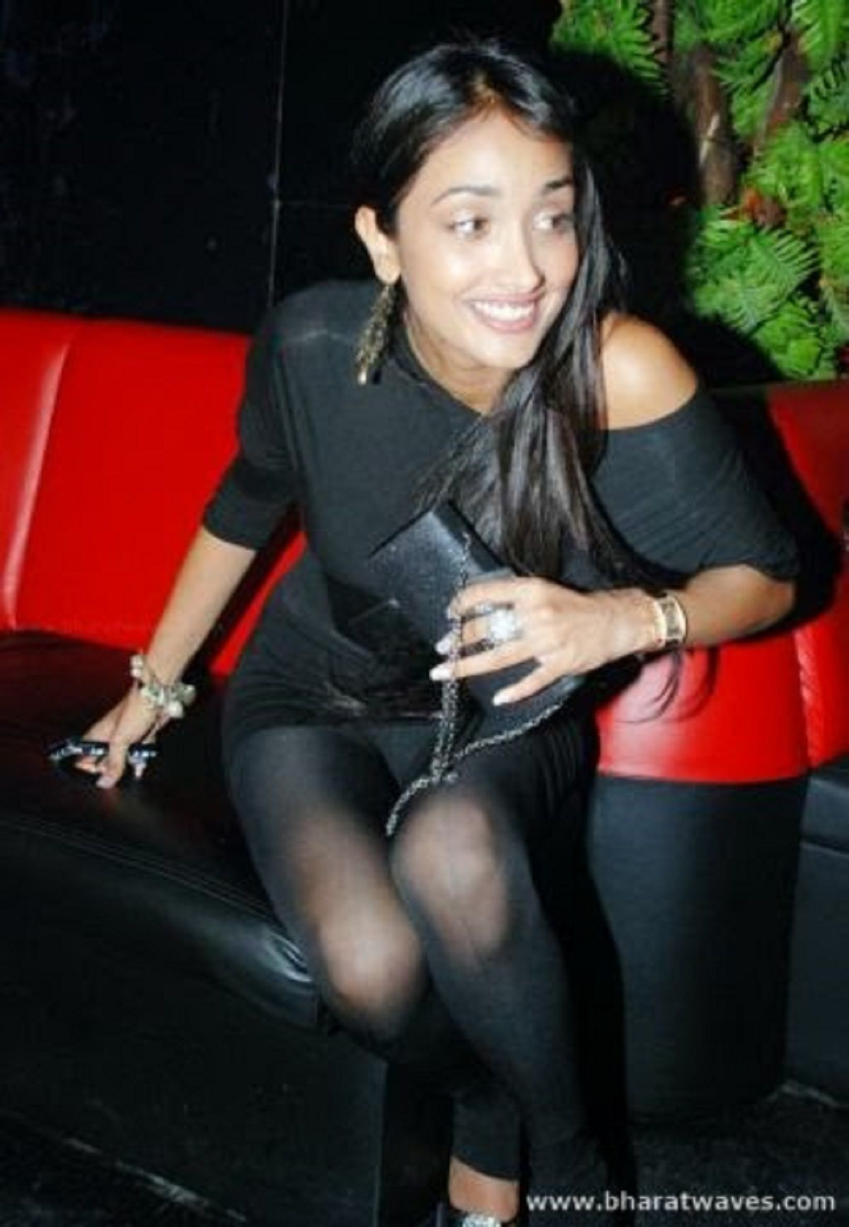 Jiah Khan Wardrobe Malfunction