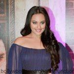 Sonakshi Sinha flashes bra at Stardust red carpet