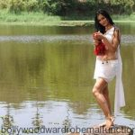 Super Hot Shweta Tiwari Exposing Navel and Thigh in White Half Saree