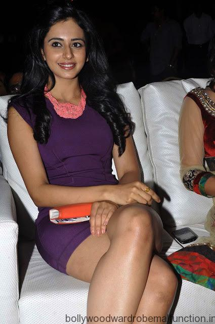 Rakul Preet Singh Thunder thighs huge boobs show