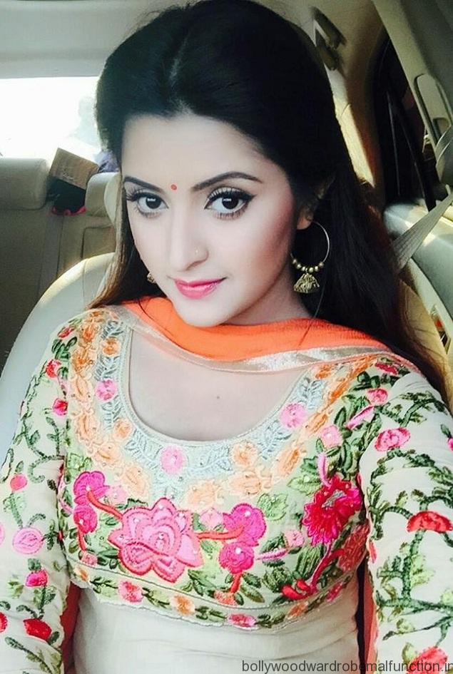 Hot Pics Of Beautiful Bangladeshi Actress Pori Moni-9397