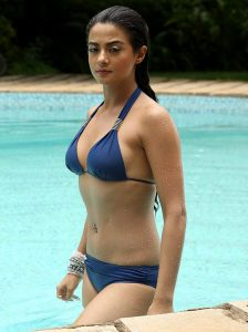 surveen-chawla-bikini