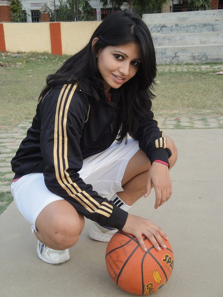 Akanksha Singh Biography