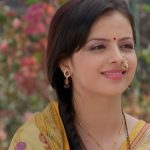 Television actress Shrenu Parikh is making bollywood debut with 'Thodi Thodi Si Manmaaniyan'