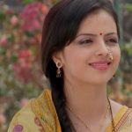 Television actress Shrenu Parikh is making bollywood debut with 'Thodi Thodi Si Manmaaniyan'