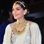 Sonam Kapoor Biography, Wiki, Age, Height, Affairs & More