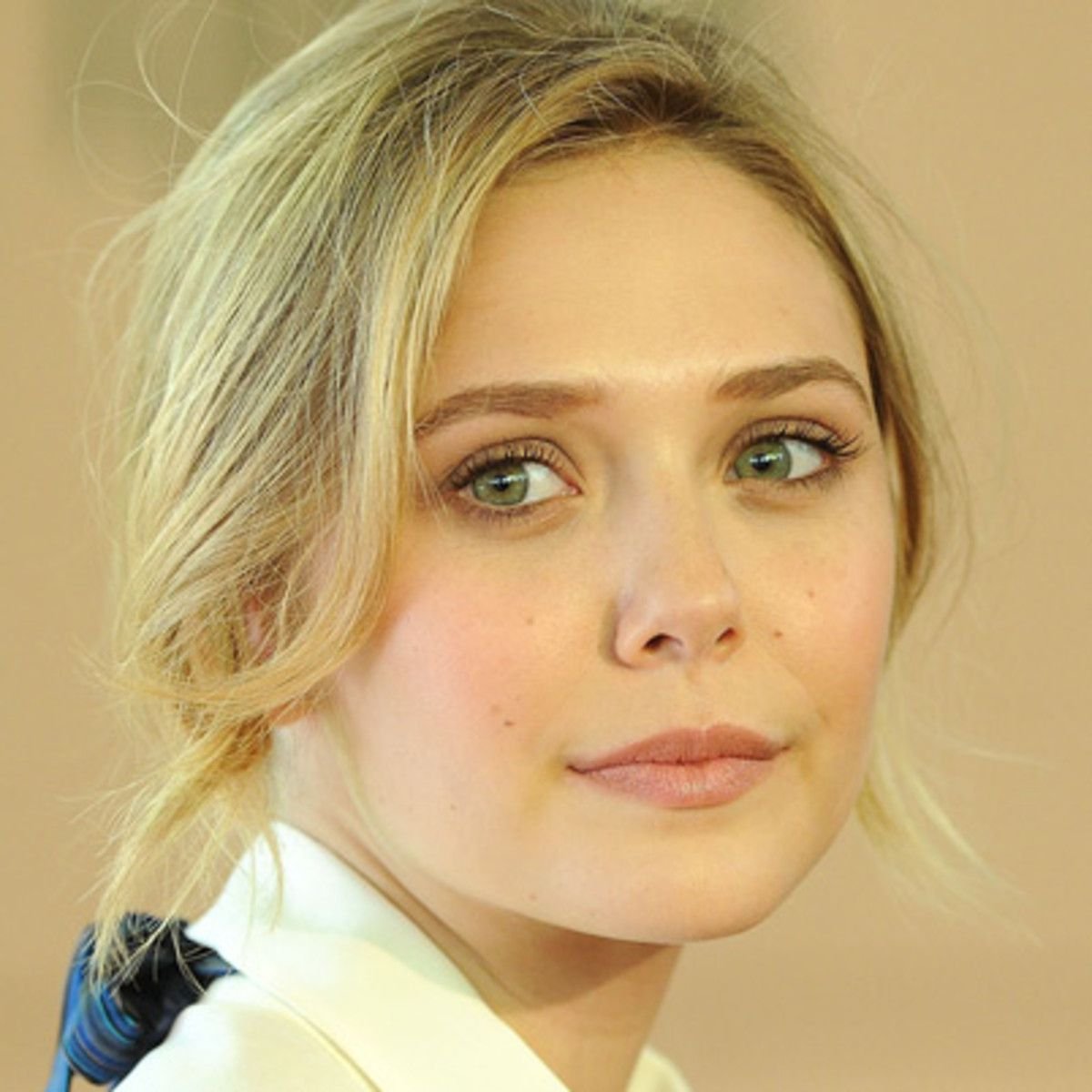 Elizabeth Olsen Biography, Biodata, Wiki, Age, Height, Weight, Affairs & More