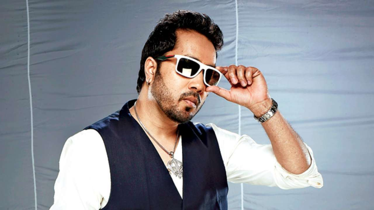 Mika Singh Biography, Biodata, Wiki, Age, Height, Weight, Affairs & More