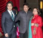 Adhyayan-Suman-with-his-parents