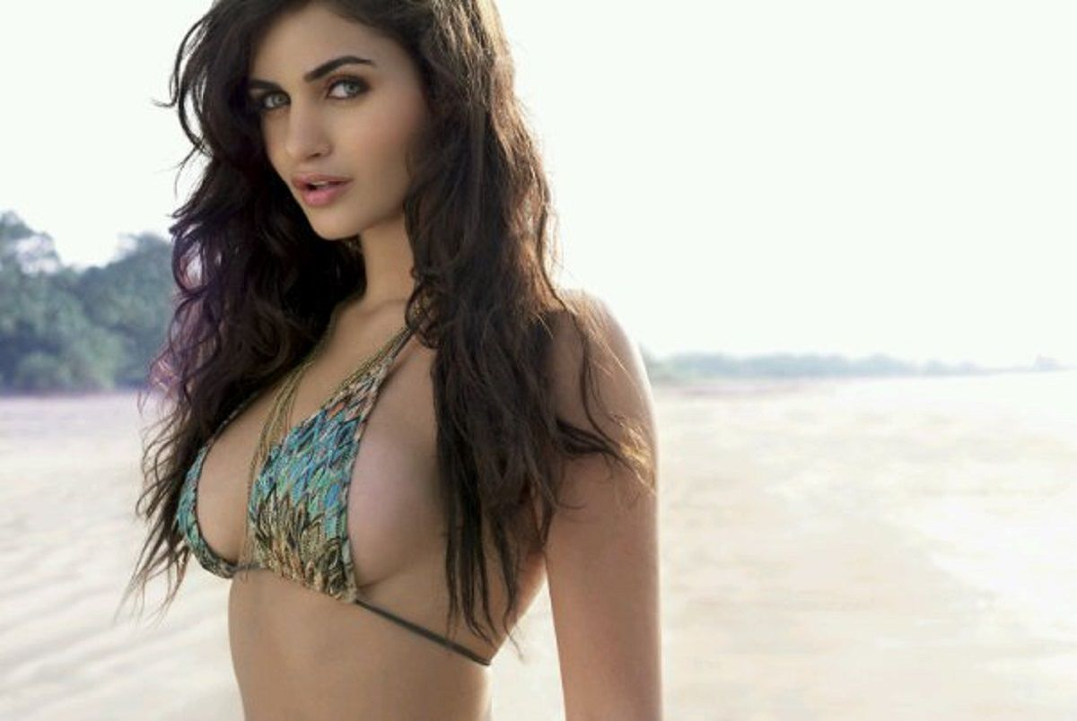 Bikini Pictures of Arjun Rampal's Girlfriend Gabriella Demetriades