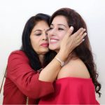Sameksha Singh with her mother Usha Kwatra