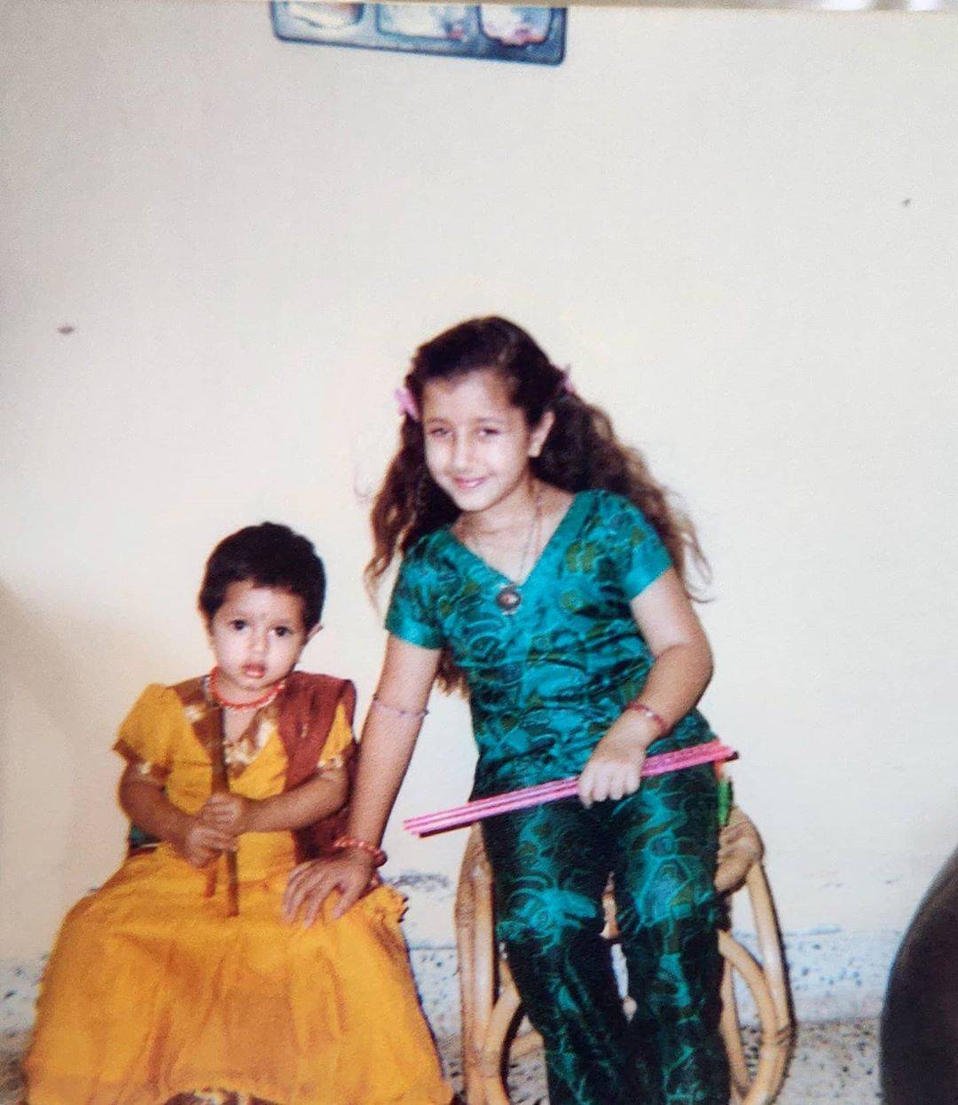 Jhanak Shukla and Damia Shukla childhood picture