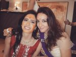 Nauheed Cyrusi with her sister Rhea Contractor