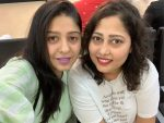 Sunidhi Chauhan with her sister Suneha Chauhan