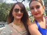 Preeti Jhangiani with sister Deepa Jhangiani