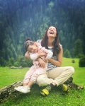 Surveen Chawla with daughter Eva