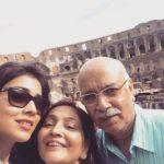 Shriya Saran with Parents